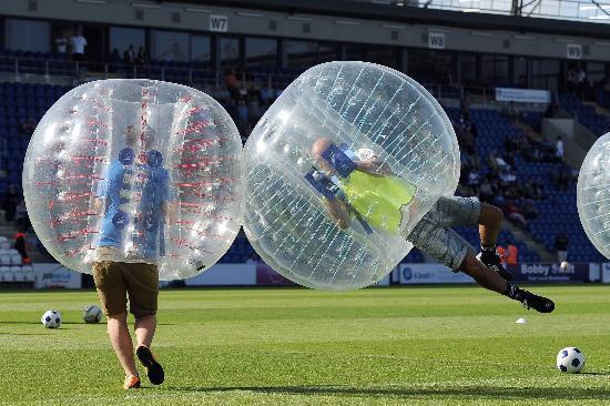 Crazy Bubble Soccer with Arena