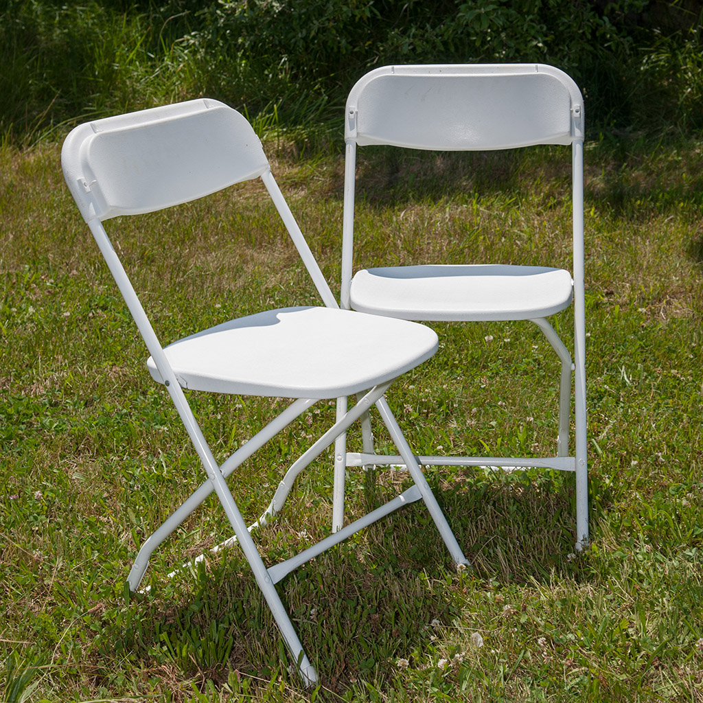 White chairs for rent from Carolina Fun Factory