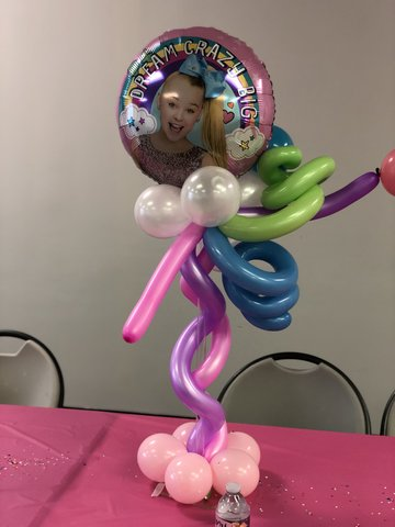 Curly Foil Balloon Centerpieces