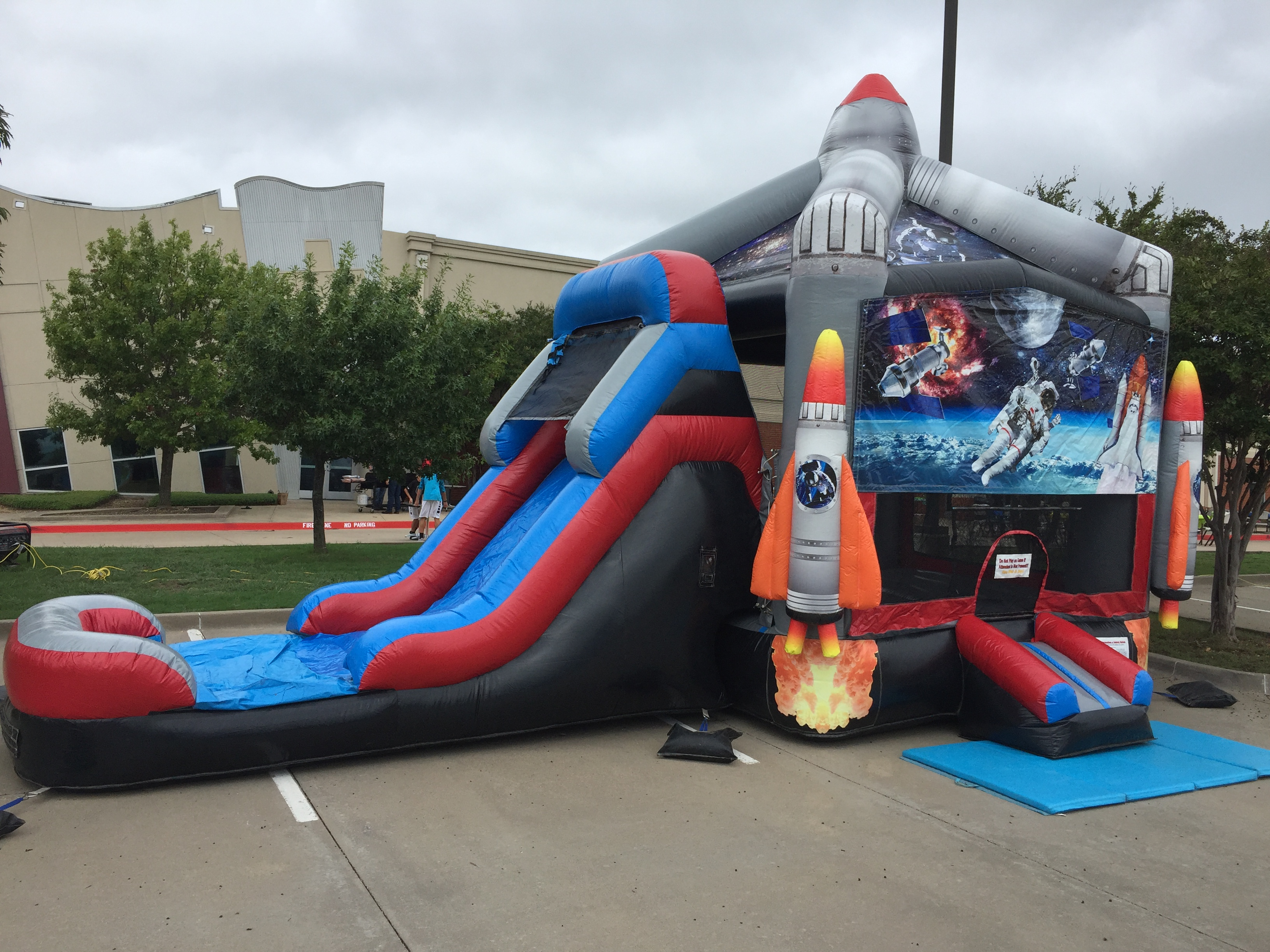 bounce house rental dallas