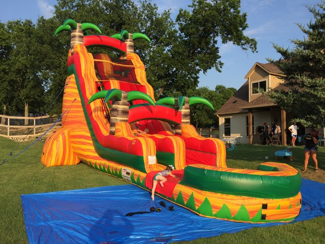 Wet 24 ft Tropical Breeze Water Slide with Pool