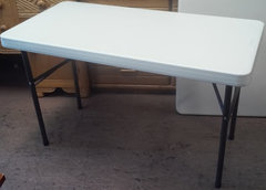 TABLE 2' X 3'