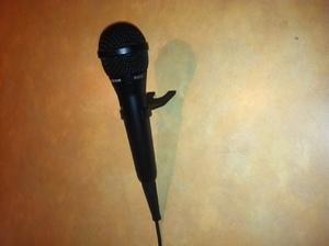 Microphone with Stand- Wired