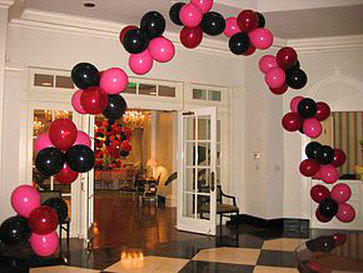 Balloon Cluster Arch
