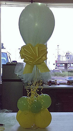 Bow/Balloon Centerpiece