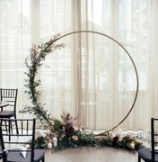 6.5ft  round gold arch  $85