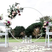 <b><font color=purple><b> White Ring Arch /font><br><small>Perfect for Wedding Ceremony<br> <font color=Black>H: 8ft W: 8ft </font></b></small>