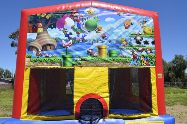 Mario - Medium Bounce House