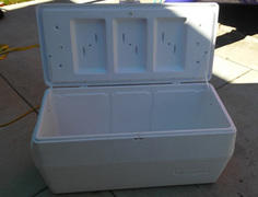 Cooler/ Ice chest