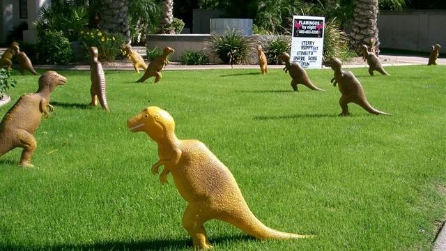 dinosaur yard decorations
