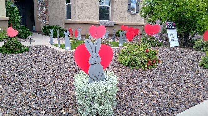 big red hearts gray bunnies yard decorations