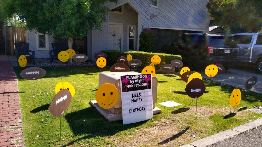 Smileys & footballs for your NFL fan dad
