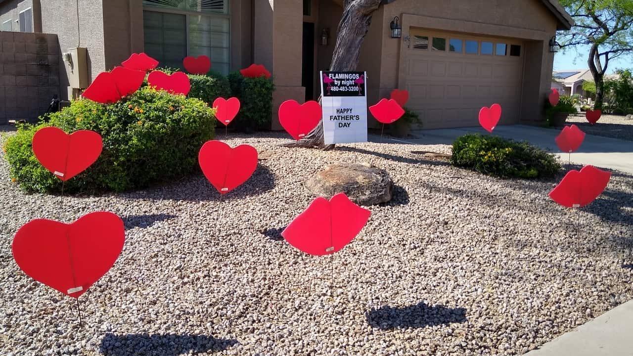 hearts and kisses yard display