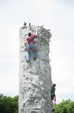 24' Rock Wall 4 Person
