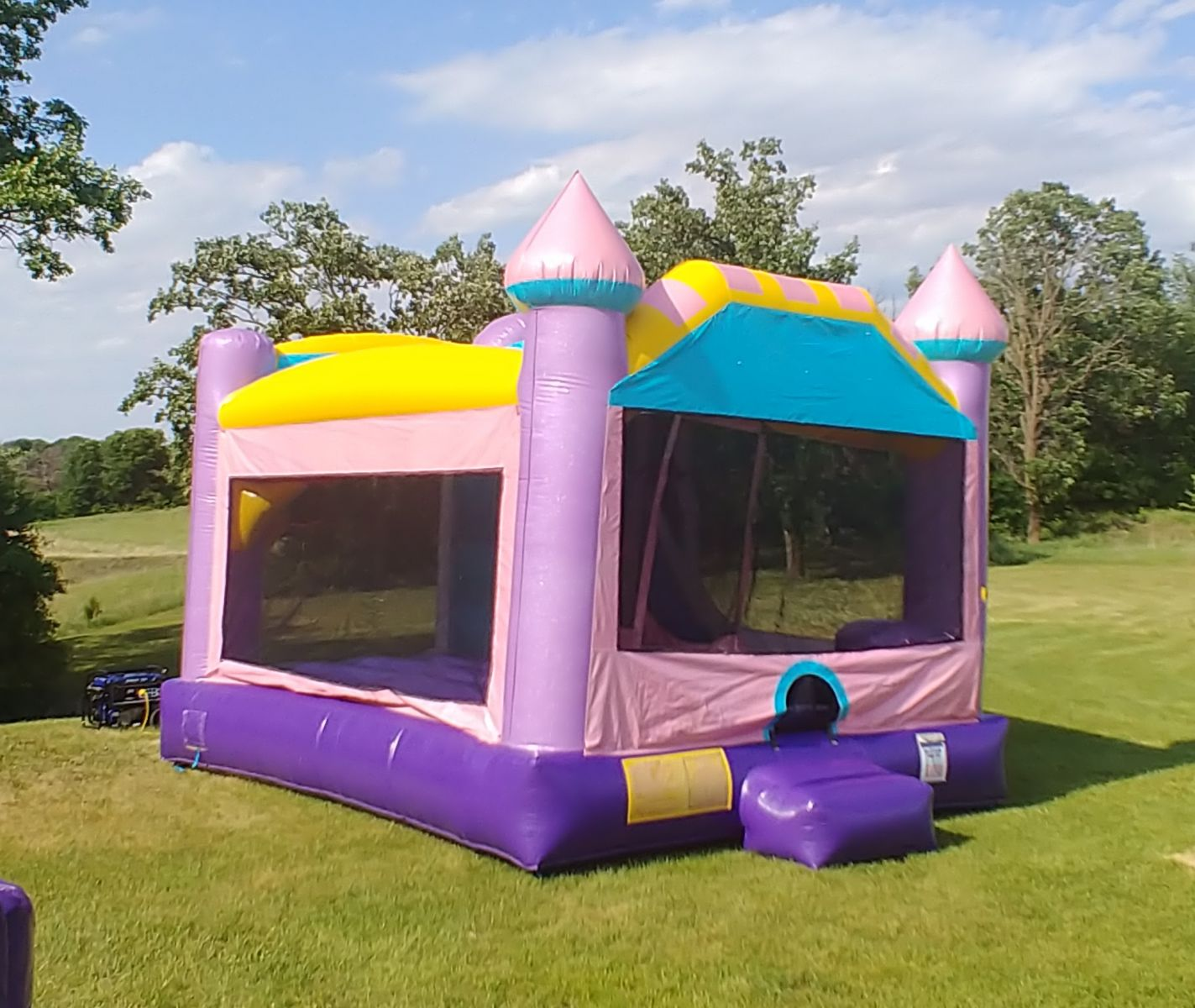 Bounce house rental jumping area