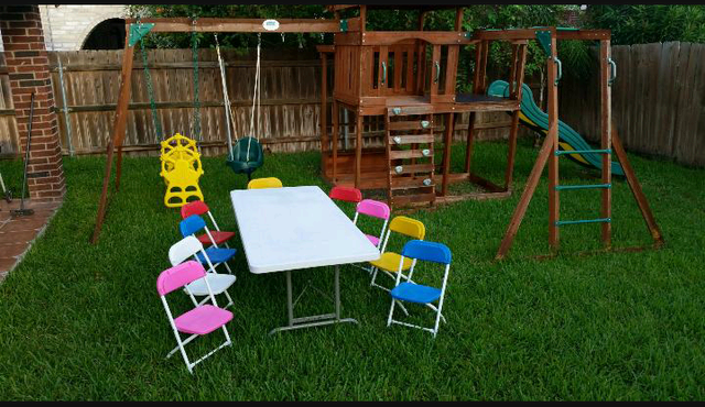 Kiddie Table with 10 Chairs
