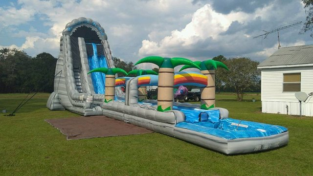 27ft Roaring River with Slip and Slide