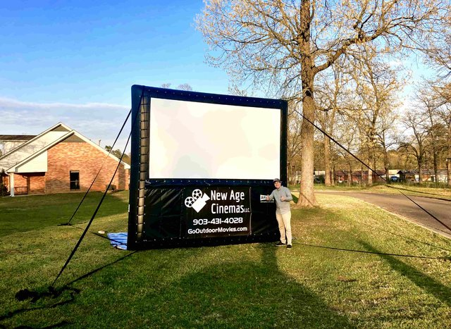 12-Foot AIRSCREEN Outdoor Movie Package 1