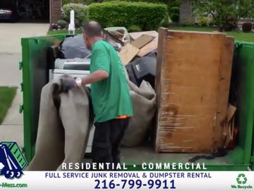 What does a full truckload of full service junk removal look like at Haul-My-Mess.com of Cleveland?