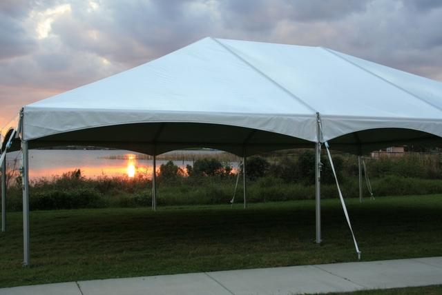 30 x 100 Deluxe Frame Tent