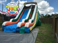 22 Ft. Wild Slide (Dry)Recommended for ages 6+ Space Needed: 45'L 21'W x 25'H