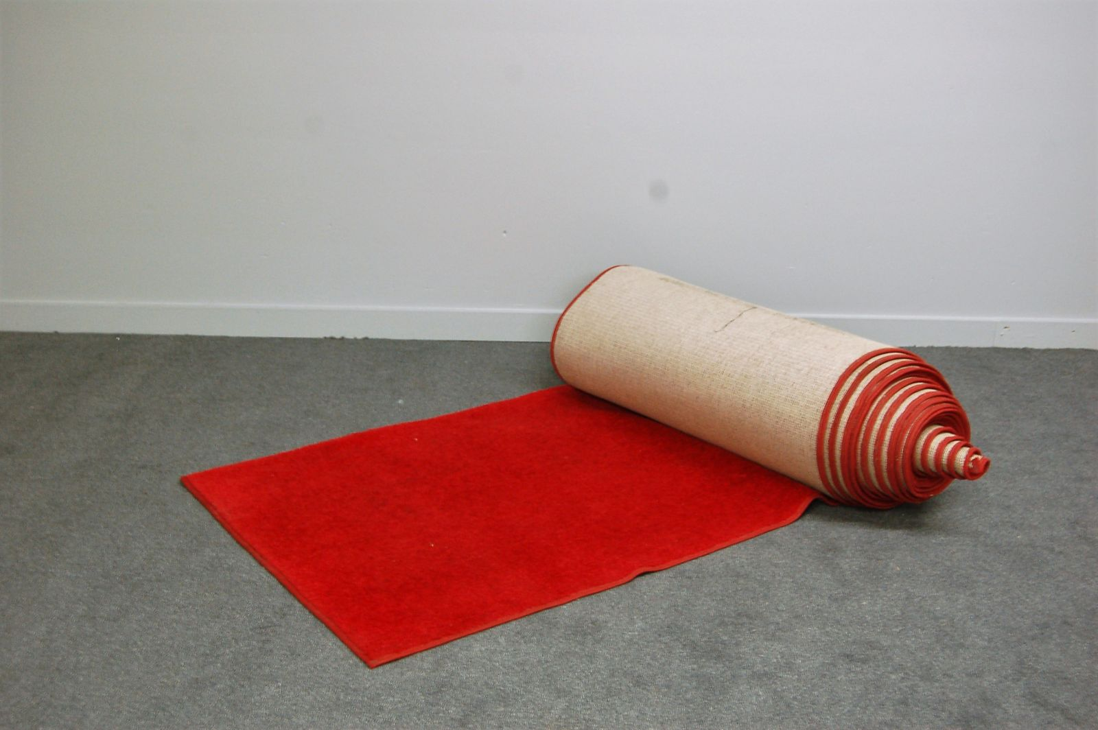 Red carpet runner 50'