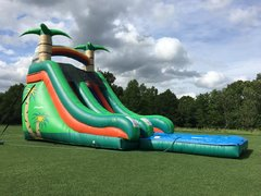 18ft Tropical Splash Waterslide*