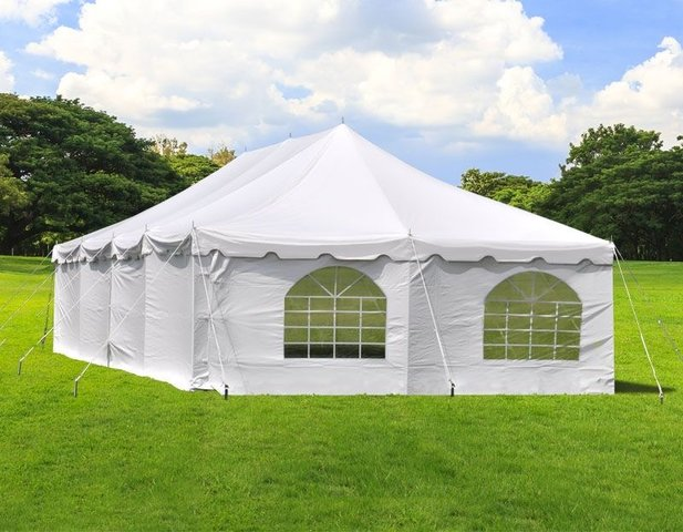 Enclosed Tent 20x40 w/ Heater