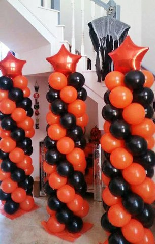 Balloonn Towers with 50 balloons