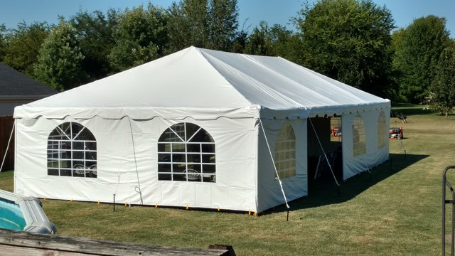 20x40 FRAME TENT WITH WINDOW SIDE WALLS