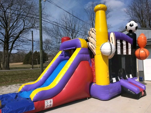 Sports Bounce House Slide Combo (wet)