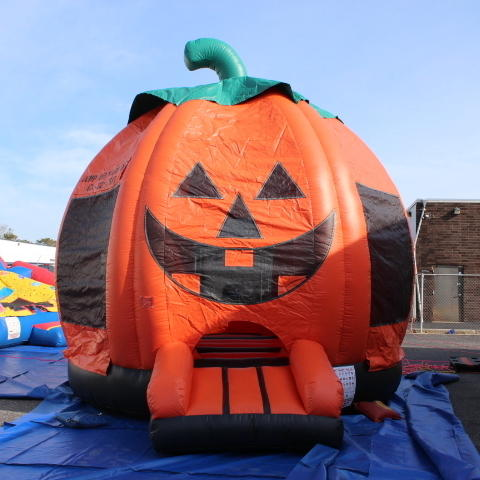 Pumpkin Bounce House #B11