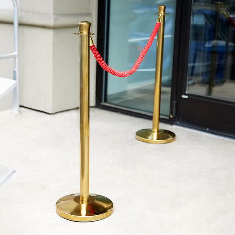 RED ROPE  WITH 4 STANCHIONS