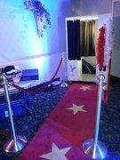 RED CARPET WITH GOLD STARS 10 FOOT