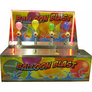 Water squirting balloon clown race (NEW)