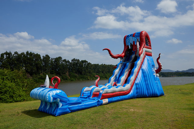 25' Ocean Battle Slide