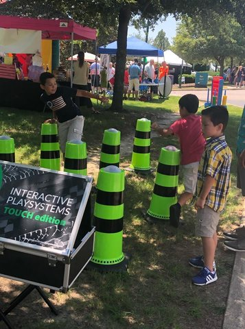 Interactive (Catch the Light) Cones