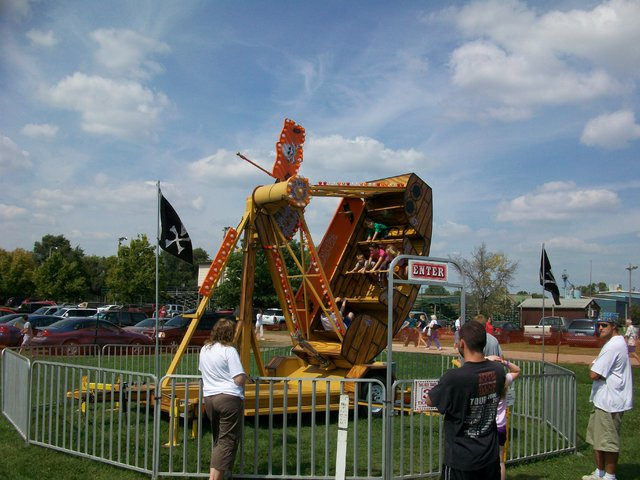 Pirate Ship Amusement Ride 2hr rental w/ attendant