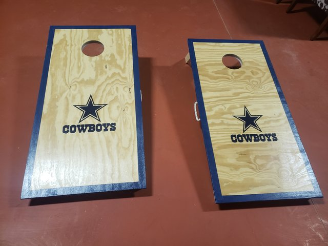 DALLAS COWBOY CORNHOLE
