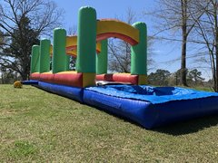 38' Screamin' Fast Slip n Slide with pool