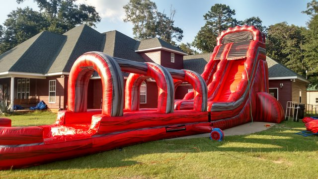 22' Magma Meltdown with slip n slide and pool