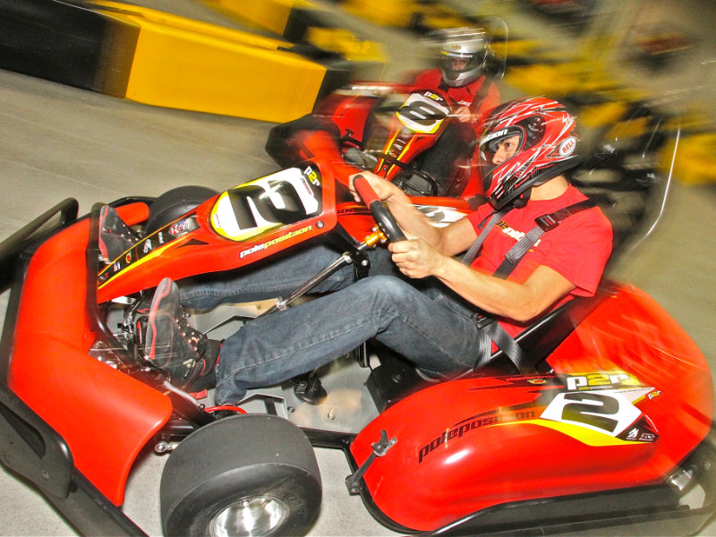 Pole Position Challenge racers