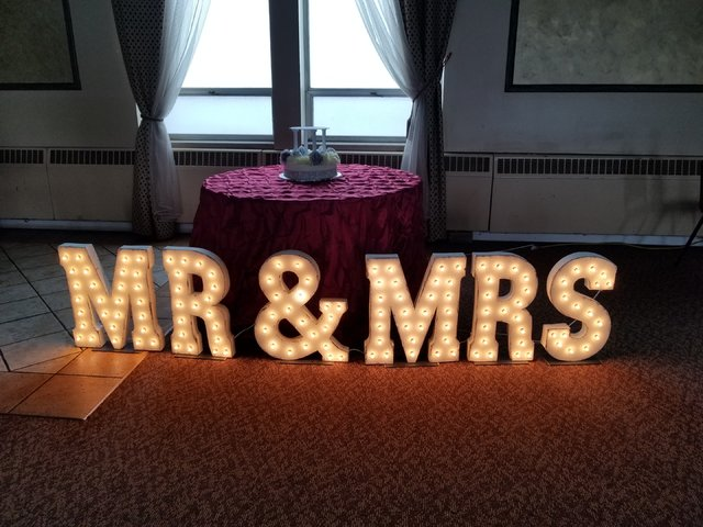 Mr & Mrs Rustic / Vintage Sign