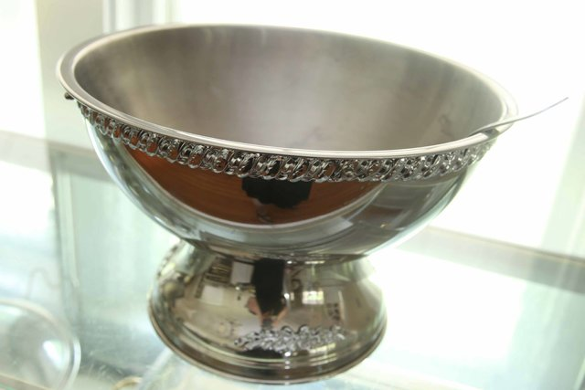 Punch Bowl - Open with Ladle