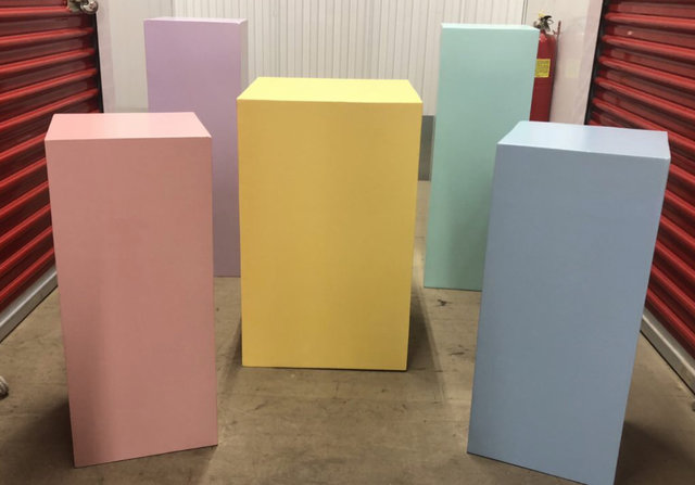 5 Pastel Color Square Plinths