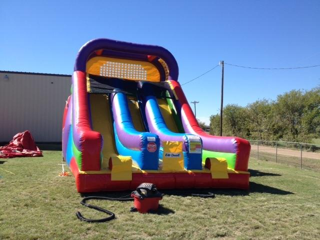 18ft Dual Laned Wacky Slide dry use only