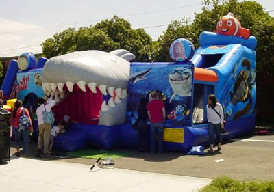 finding-nemo-bounce-house-combo