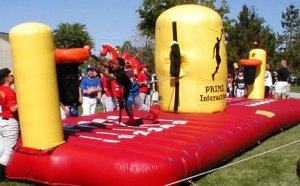 inflatable-equalizer-tug-and-dunk-game-rentals