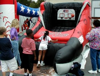inflatable-one-on-one-basketball-game-rentals