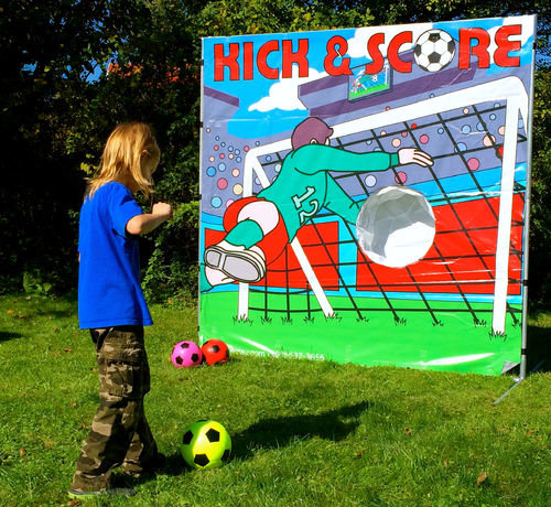 Kick and Score Frame Game